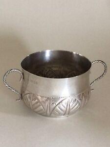 Edward Barnard & Sons Arts And Crafts Antique Solid Sterling Silver Porringer