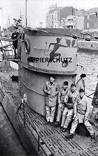 U-BOOT-KRIEG FOTO U 57 KOMMANDANT ERICH TOPP MALING AUF DEN TURM