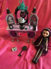 💜 Ever After High Raven Queen Doll avec Vanity Unité excellent état!!! 💜