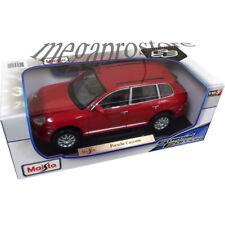 Maisto Porsche Cayenne 1:18 Diecast Model Car Red