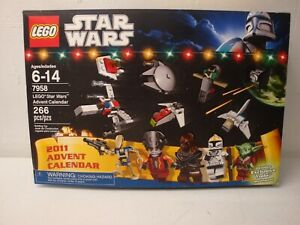 LEGO STAR WARS 2011 ADVENT CALENDAR COMPLETE WITH BOX AS IS
