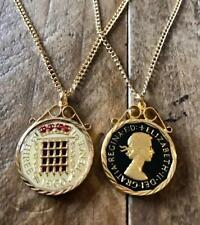 VINTAGE 1960 ENAMEL THREEPENCE COIN PENDANT & NECKLACE. GREAT CHRISTMAS PRESENT