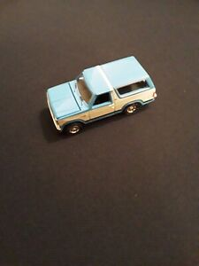 Tomy Johnny Lightning Ford Bronco 1/64