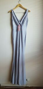 WalG Deep V Lace Maxi Dress We Are London Girls Size 10/S - Grey