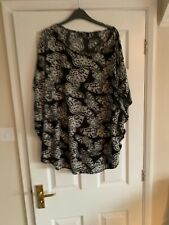 Ladies Evans Pretty Butterfly Blouse Top  Size 18 Worn Once