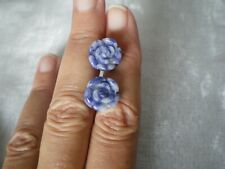Blue Jasper carved flower stud earrings, 15 carats, 0.5 grams 925 Sterling Silve