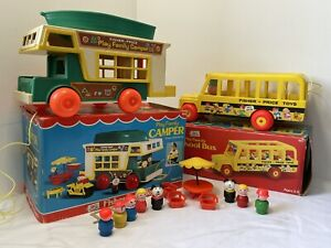 VINTAGE - FISHER PRICE - PLAY FAMILY CAMPER - SCHOOL BUS 1970 & ACCESSORIES