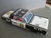 POLICE PATROL No. 371 CAR, VINTAGE LITHO FRICTION MOTOR, TOY, MADE IN JAPAN 60s