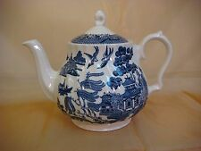 BLUE WILLOW ROYAL WESSEX SAUCE TEA POT & LID CHINA ENGLAND SWIRL RIM