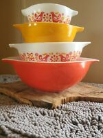 Pyrex Friendship Cinderella Mixing Bowls 441 442 443 444 pennsylvania dutch
