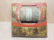 Ancien coussin carreau de dentelière  motif enfant musicien dentelle dentellière