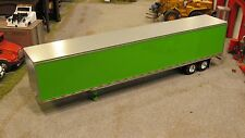 DCP LIME GREEN 53' UTILITY 3000-D /DRY VAN TRAILER 1:64 (LAYOUT USED BUT NICE)