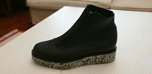 Arche women's shoes brand new never worn