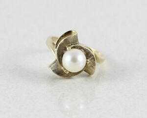 2.0 Grams size 5 14 10k Yellow gold ring with real pearl