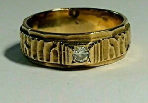 VINTAGE 9 CT YELLOW GOLD CUBIC ZIRCONIA LADIES BAND RING, SIZE R&1/2. 5.70.GRAMS