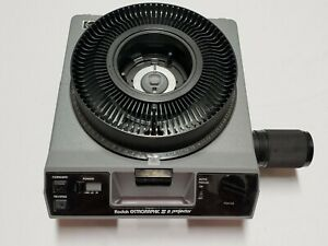 Kodak Ektagraphic III A 35mm Slide Projector w/ Zoom Lens, Carousel, & Remote