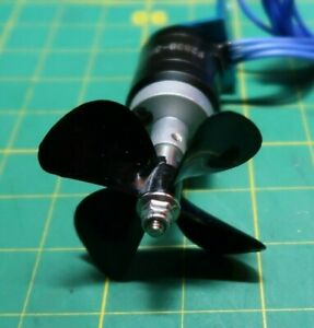 Brushless motor for radio controlled boat with propellers. ESC 18A