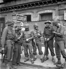 WW2  Photo WWII Canadian & American Troops Elbeuf France  World War Two / 1630