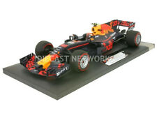 Minichamps RED BULL RB13 WINNER MALAYSIAN GP 2017 Verstappen #33 1/18 Scale New!