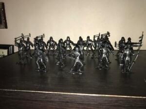 22 Black Marx Recast Medieval Knights - 54mm Scale