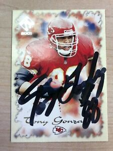 TONY GONZALEZ 2001 PACIFIC PRIVATE STOCK #46 AUTOGRAPHED CARD CHIEFS