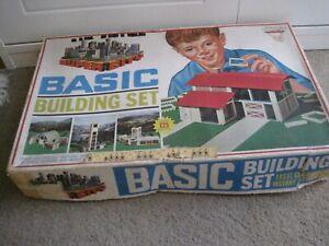 "VINTAGE IDEAL TOYS ""SUPER CITY"" BASIC BUILDING SET (FOR MOTORIFIC CARS) - 1960's"