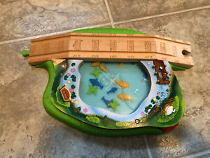 Thomas & Friends Wooden Railway Train Tank Engine - Spin and Swim Lily Pond