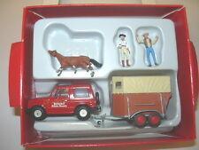 Preiser 33243 Mitsubishi mit Pferdeanhänger u 3 Figuren