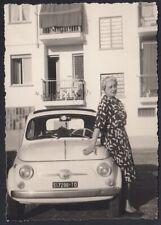 YZ7797 Automobile Fiat 500 Abgestellte - 1963 Fotografie Old-Time - Vintage Foto