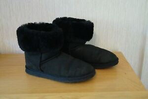 Ladies DANIEL GREEN DOLLY SLIPPER BOOTS Black UK 9 AA 9N - US 11N EXCELLENT