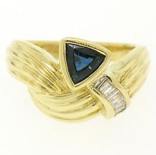 18k Yellow Gold 1.04ct Trillion Sapphire & Baguette Diamond Ribbed Cocktail Ring