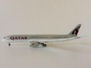 Qatar Airways Boeing 787-9 1/400 Gemini Jets GJQTR1915F Flaps Down GeminiJets