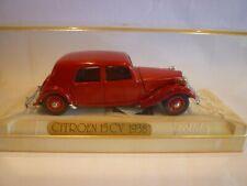 SOLIDO 1.43 Age d'or Citroen 15 cv 1938,Sapeurs pompiers. Die-cast.