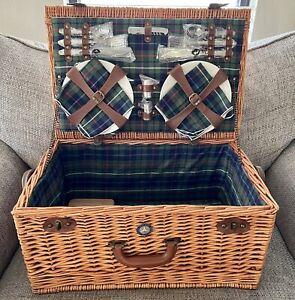 Mercedes-Benz Classic Picnic Basket/Suitcase