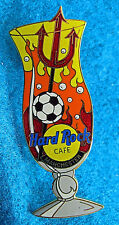 MANCHESTER UTD RED DEVILS FOOTBALL HURRICANE GLASS SERIES Hard Rock Cafe PIN LE
