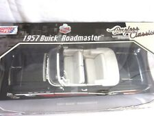 Buick Roadmaster Convertible,1957-DiecastModel Car.Scale1/18,Red/Blk-By MotorMax