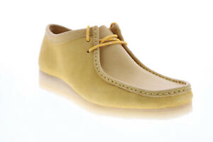 Clarks Wallabee 26154742 Mens Yellow Suede Lace Up Chukkas Boots