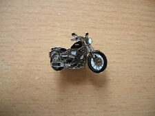 Pin Anstecker Yamaha XV 950 / XV950 Modell 2014 schwarz black Art. 1253 Motorrad