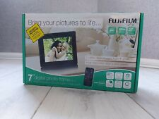 """Fujifilm 7"""" Digital Photo Frame With Remote No PC Required LCD 800×600 Pixel"""