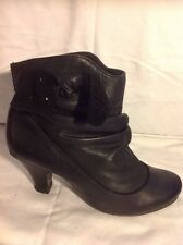 Me Too Black Ankle Leather Boots Size 38