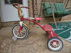 Radio Flyer 10 in. Tricycle - Classic Red