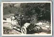 France, Route près de La Giettaz (Savoie) Vintage silver print. Voiture d'é