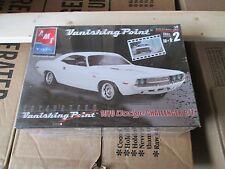 AMT Vanishing Point 1970 Dodge Challenger R/T 1/25 scale Kit # 38041