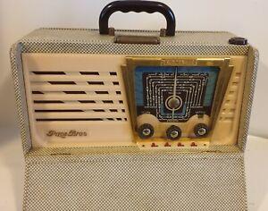 Poste radio à lampes Pizon Bros type Sky Master 60 de la fin des années 50