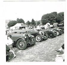 OLD MOTOR CAR PHOTO VINTAGE ASTON MARTINS ON DISPLAY C.1950  (415)