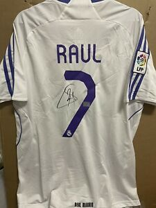 Signed Raul Real Madrid shirt  With coa