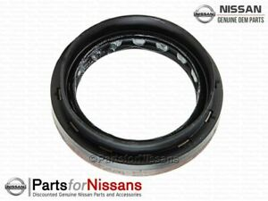 Genuine Nissan Manual Transmission Output Shaft Seal 38342-00QAG