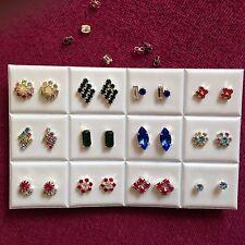 Lavoro Lotto -12 paia di diverse forme di colore Diamonte Orecchini a lobo. placcato argento.
