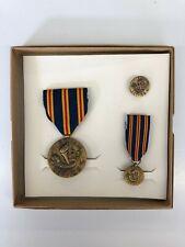 VINTAGE 1970 GENUINE United States Vietnam War Civilian Service medal boxed set