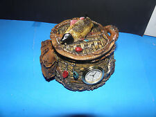 FISHING GEAR -FISH BASKET CLOCK W/ REMOVABLE TOP 3X4- NEW